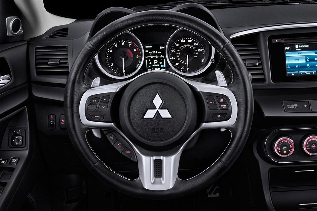 Mitsubishi evo 2015 interior