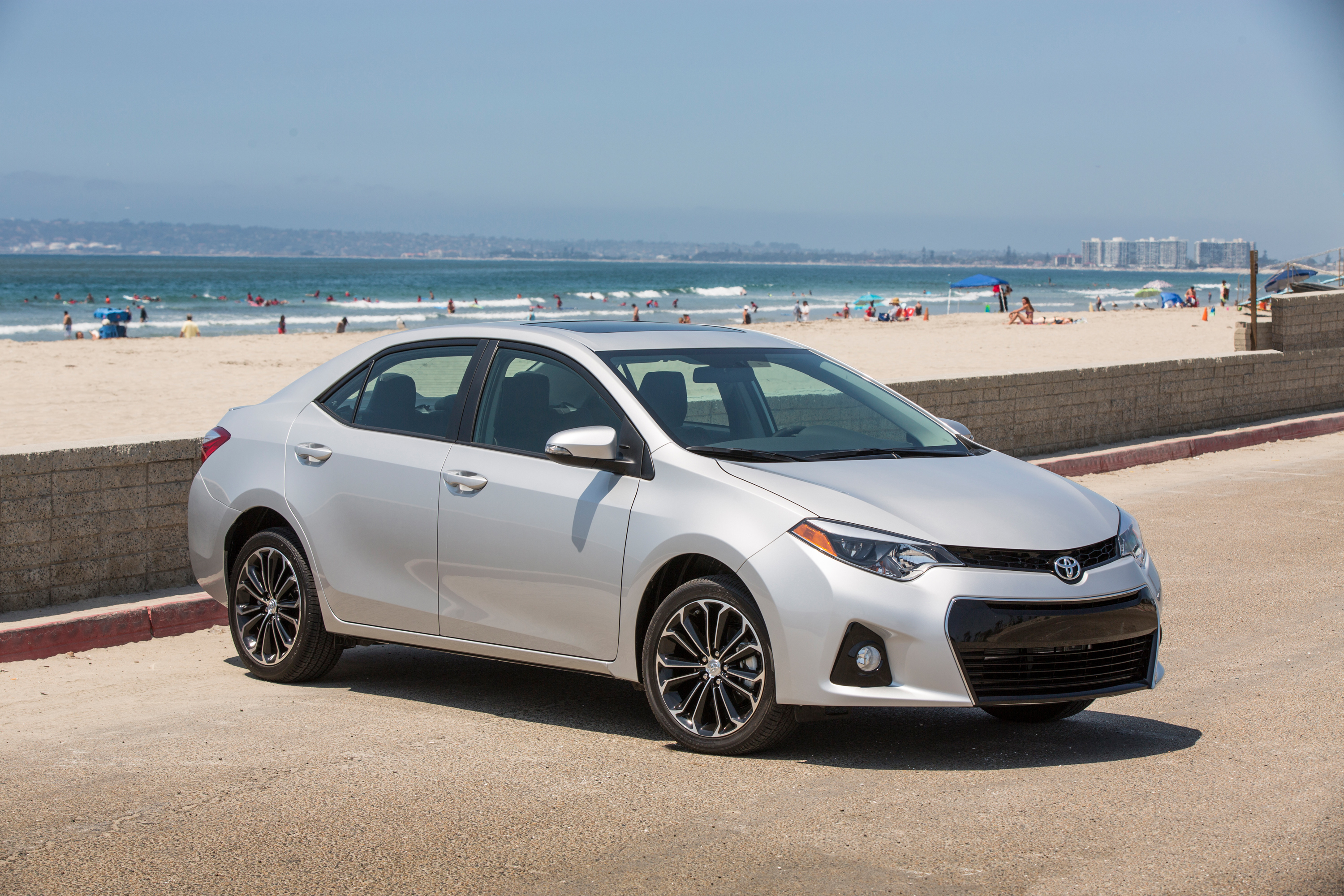 dch freehold toyota 2016 toyota corolla review. Black Bedroom Furniture Sets. Home Design Ideas