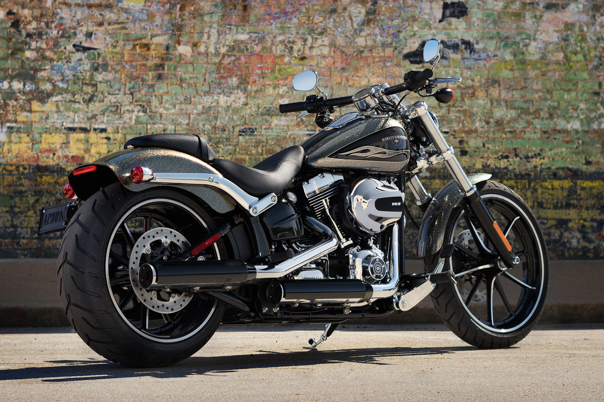 cycle city hawaii 2016 harley davidson softail breakout. Black Bedroom Furniture Sets. Home Design Ideas