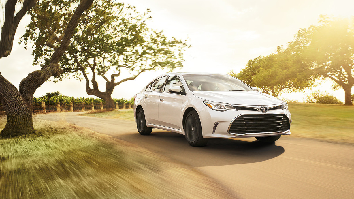 MotorWorld Group - 2016 Toyota Avalon