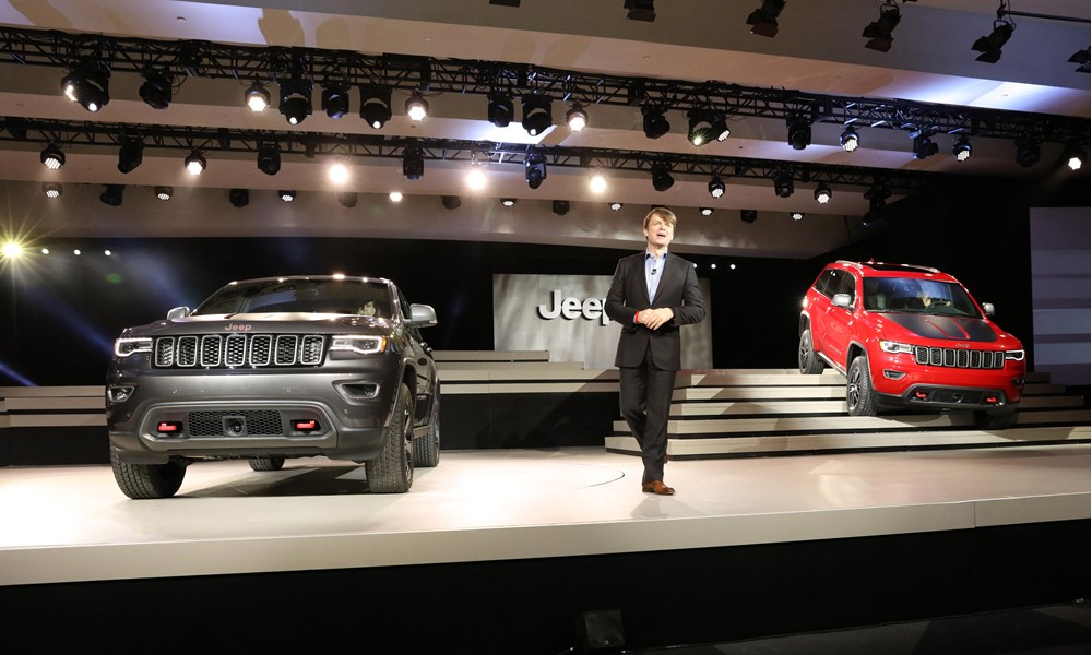 cutter automotive galleries jeep reveals 2017 grand cherokee models. Black Bedroom Furniture Sets. Home Design Ideas
