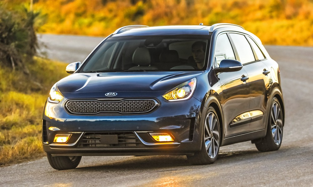 Kia S Ecodynamics Lineup Is Gaining Some Much Deserved Attention From Kbb Of Kelley Blue Book Proving That Fuel Efficient Vehicles Can Also Be