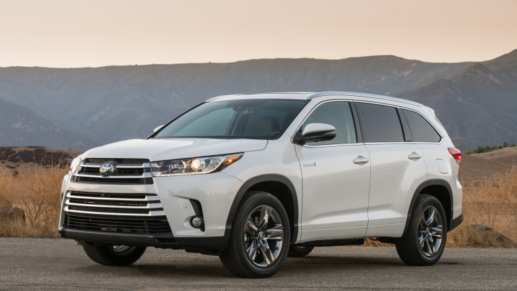 The 2017 Toyota Highlander Is Hiding Something Special Under The Hood.  Engineers Have Included A New Start Stop Capability To The SUVu0027s  Powertrain, ...