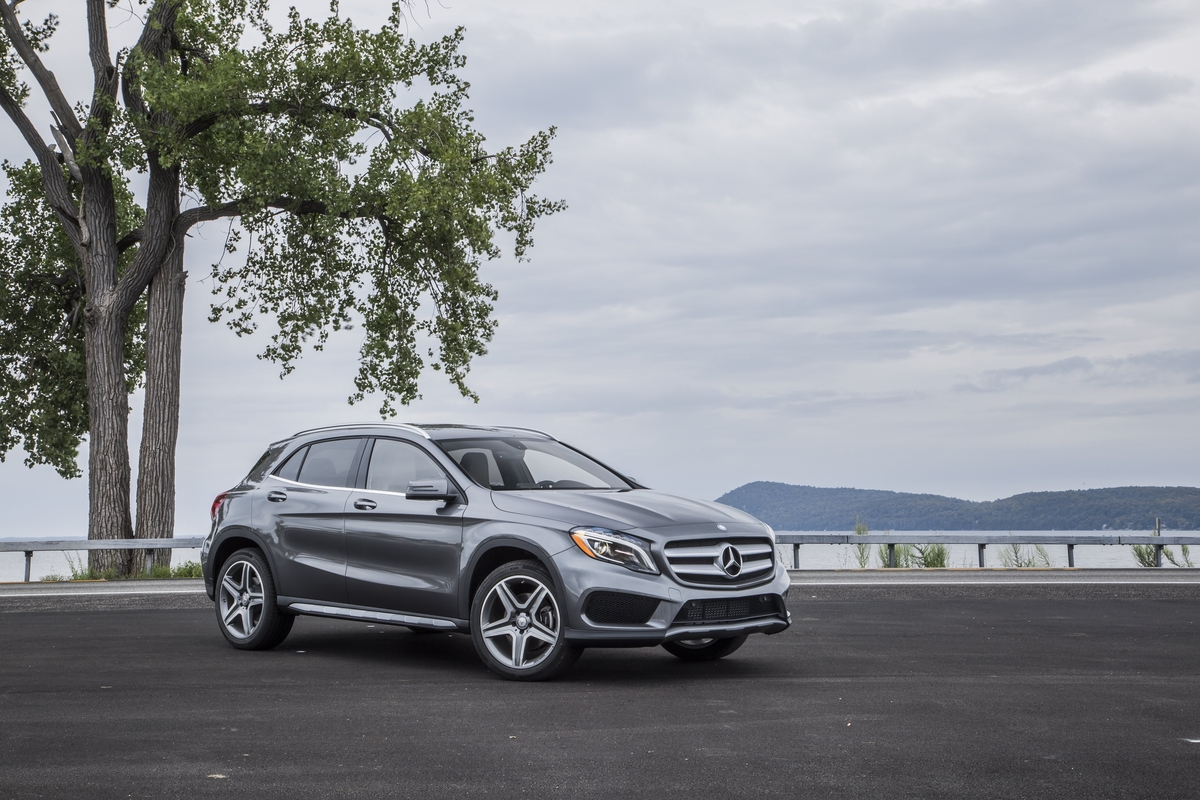 Mercedes benz of princeton 2017 mercedes benz gla for Mercedes benz princeton