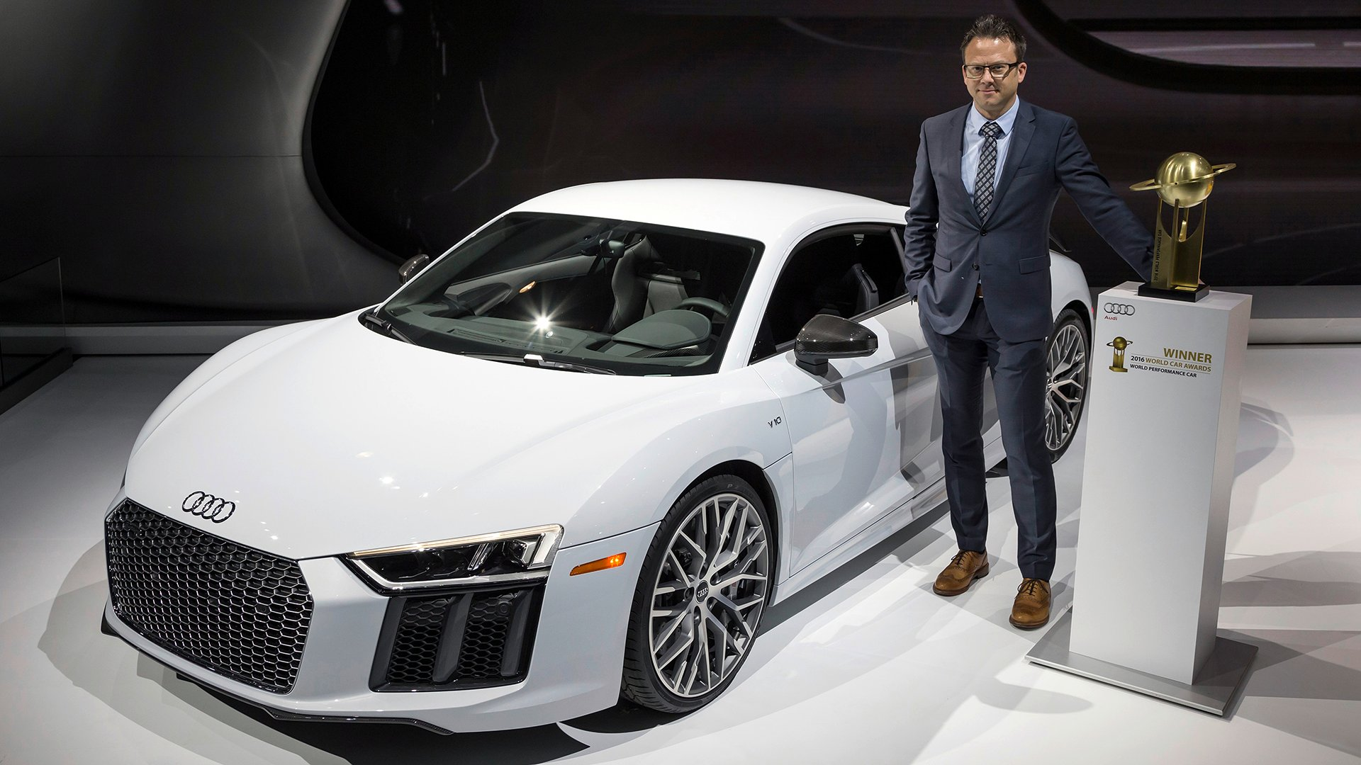 Audi Honolulu Audi R8 Coupe Named 2016 World Performance Car