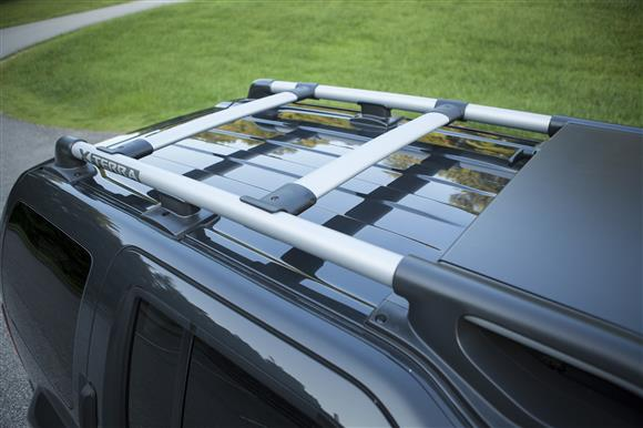 The Four Wheel Drive S Adds A Roof Rack With Crossbars With A Capacity Of  Up To 150 Pounds.*